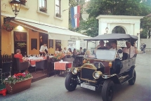 Old Zagreb sightseeing tour at Grandpas Dream Tavern (Konoba Didov San)