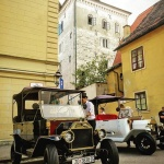 Old Zagreb sightseeing tour below Lotrscak Tower