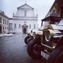 Old Zagreb sightseeing tour at Saint Catherine Square
